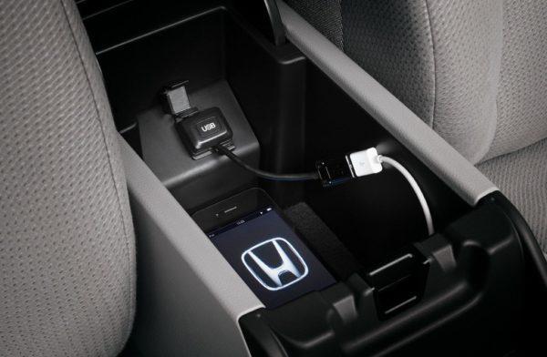 USB кабеля на Honda